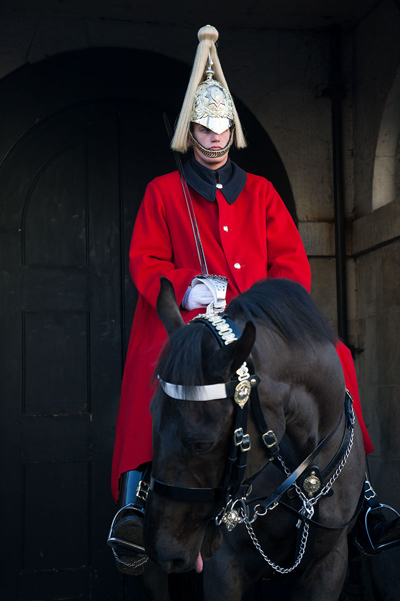 (4)London_England_RedCoat(DeenaDanielle)