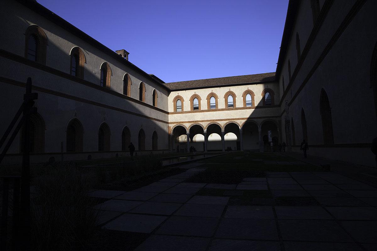 Milan_Italy_Castle(DeenaDanielle)