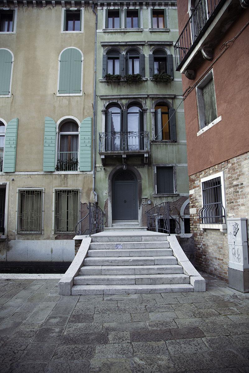 Venice_Italy_Building (DeenaDanielle)