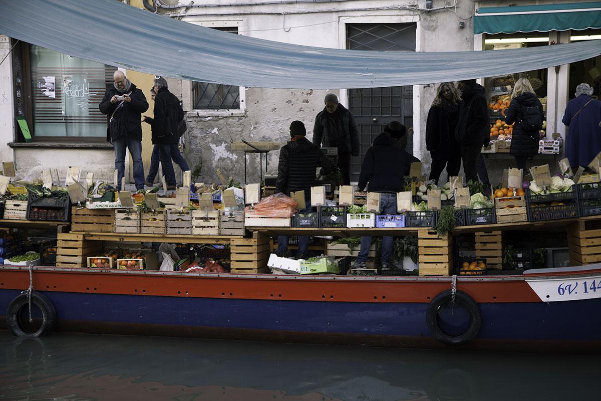 Venice_Italy_Market (DeenaDanielle)