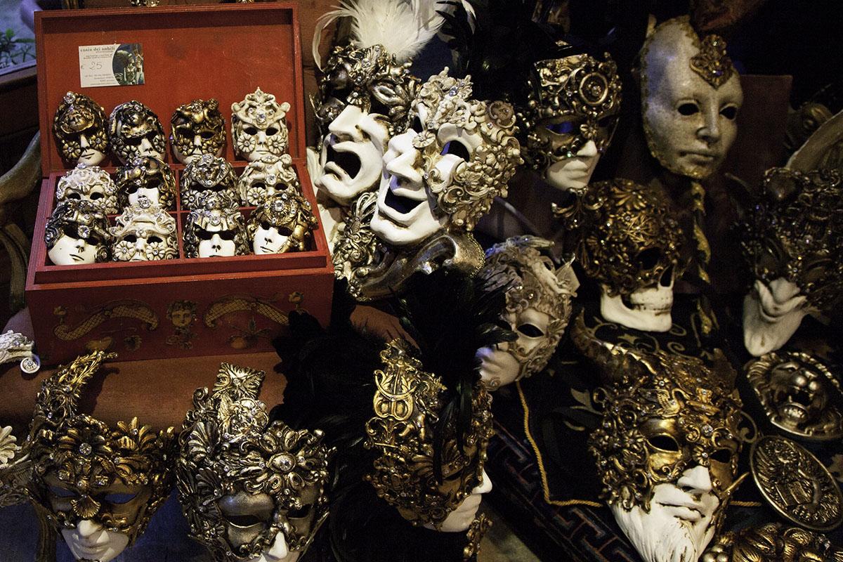 Venice_Italy_Masks (DeenaDanielle)