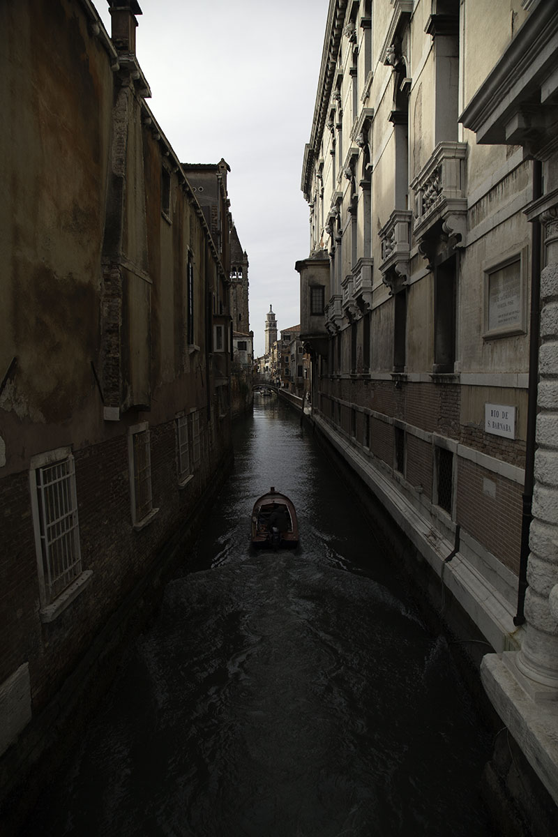 Venice_Italy_Narrow (DeenaDanielle)