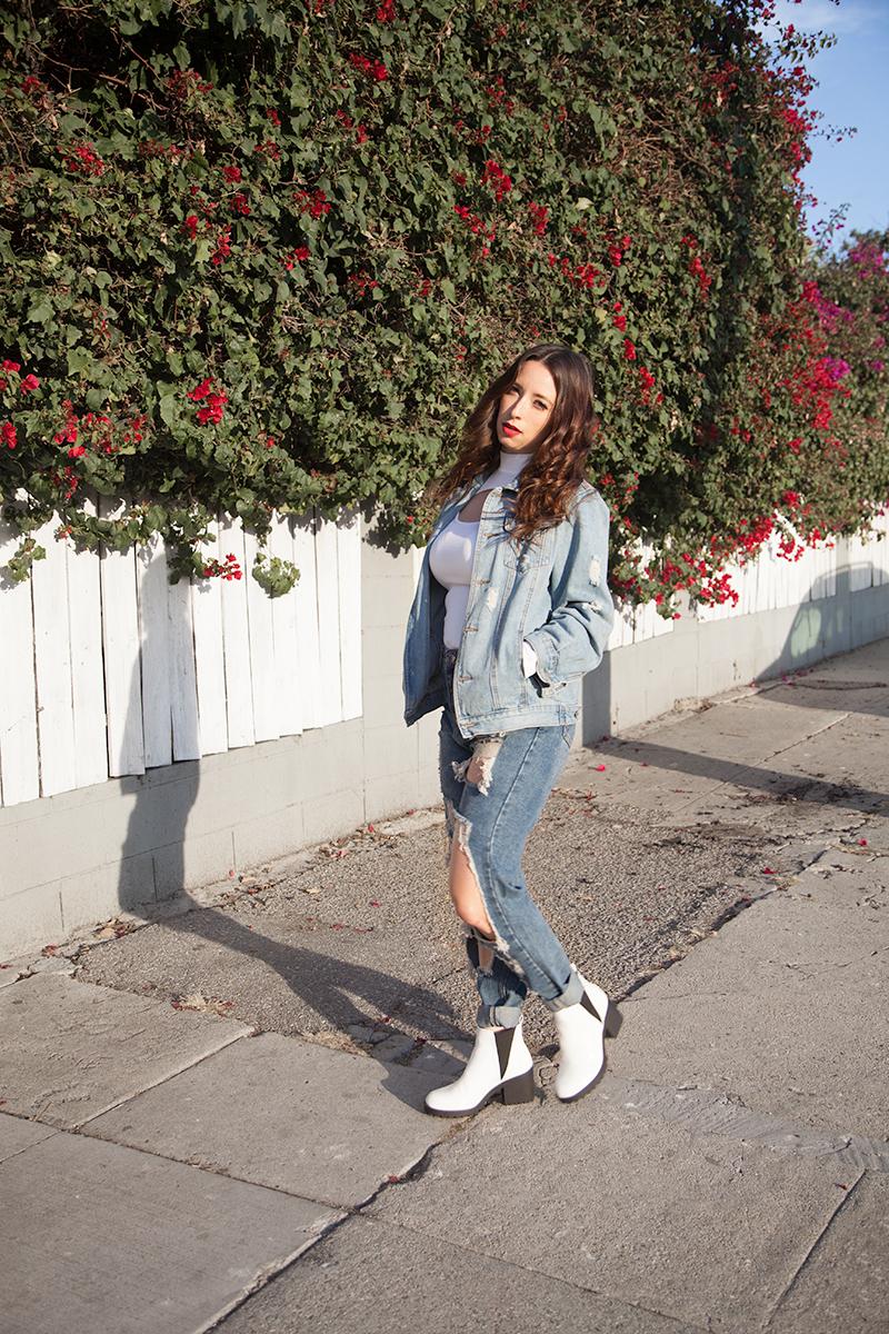 cb1ba24368363d Best Ways to Wear Bodysuits and Denim - Nomad Moda